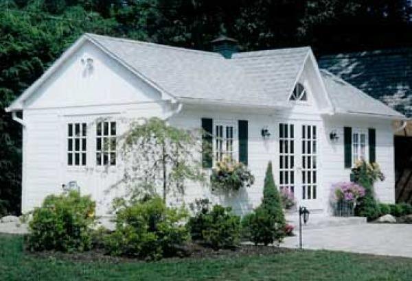 Stylish prefab cabin kits for sale build your dream for Prefab backyard guest house