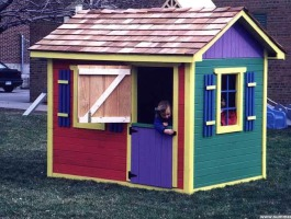 Bear Club Playhouse with planed cedar Summerwood ID number 103.