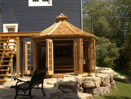 Champlain Spa Enclosure with cedar Summerwood ID number 205602.