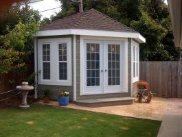 Catalina Backyard Studio with canexel Summerwood ID number 206513.