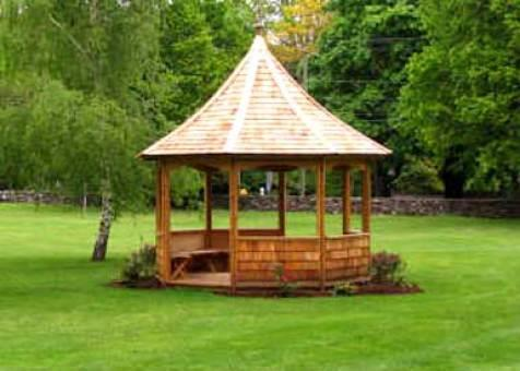 Cedar gazebo tattle creek 12ft with cedar single wall panels in West Port Connecticut. ID number 124