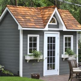 Cedar shingles featured on a Copper Creek garden shed in Toronto, ON